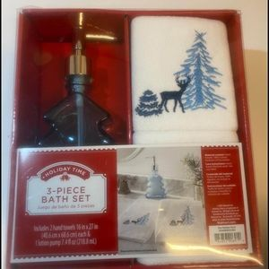 Holiday Bath Set and Hand Towels
